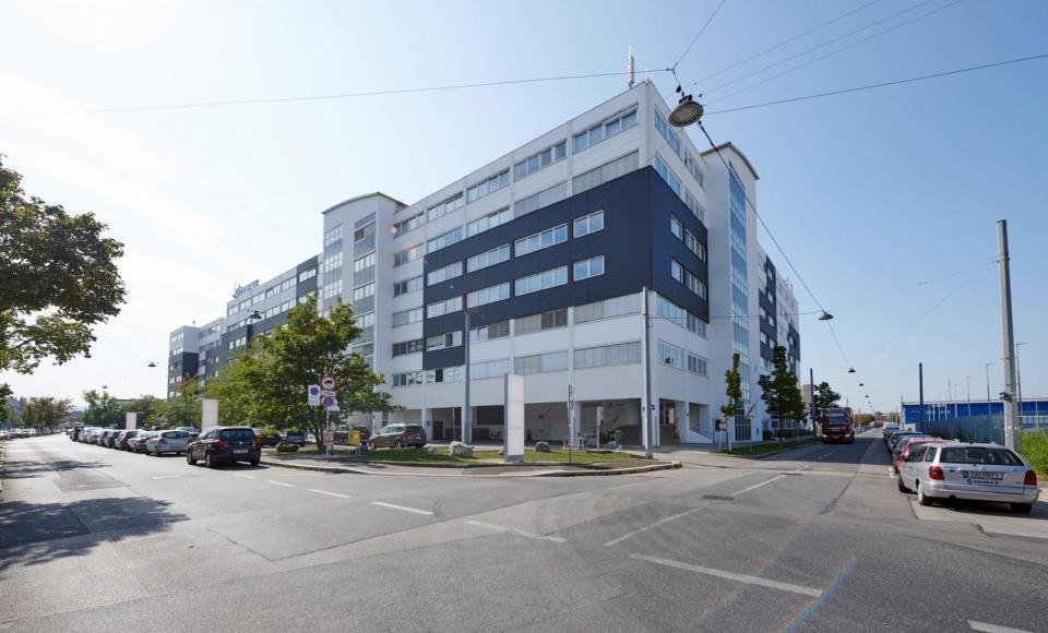 U6 Center